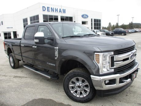 2018 Ford Super Duty F-350 XLT Crewcab 4x4 w/ Premium Package - Diesel!