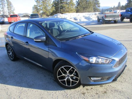 2018 Ford Focus SEL Hatchback Front-Wheel-Drive w/ Winter Package!