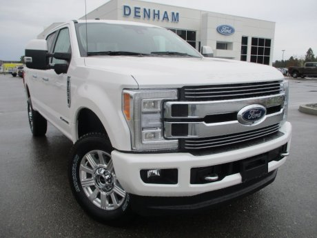 2018 Ford Super Duty F-350 Limited Crewcab 4x4 w/ FX4 Package - Diesel!