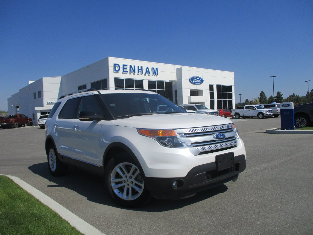 2015 Ford Explorer XLT 4X4 w/ Leather & Navigation (T8648A) Main Image