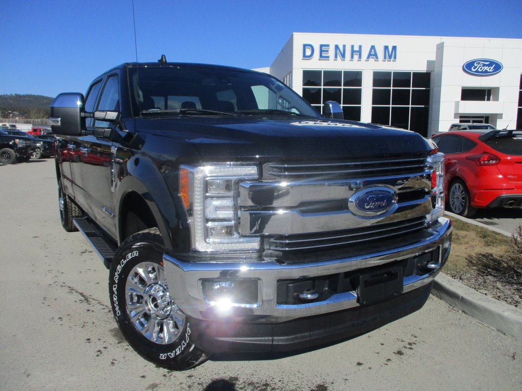 2019 Ford Super Duty F-350 SRW Lariat (DT9354) Main Image