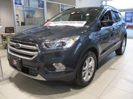 2019 Ford Escape SEL 4WD w/ Kootenay Accessories PKG