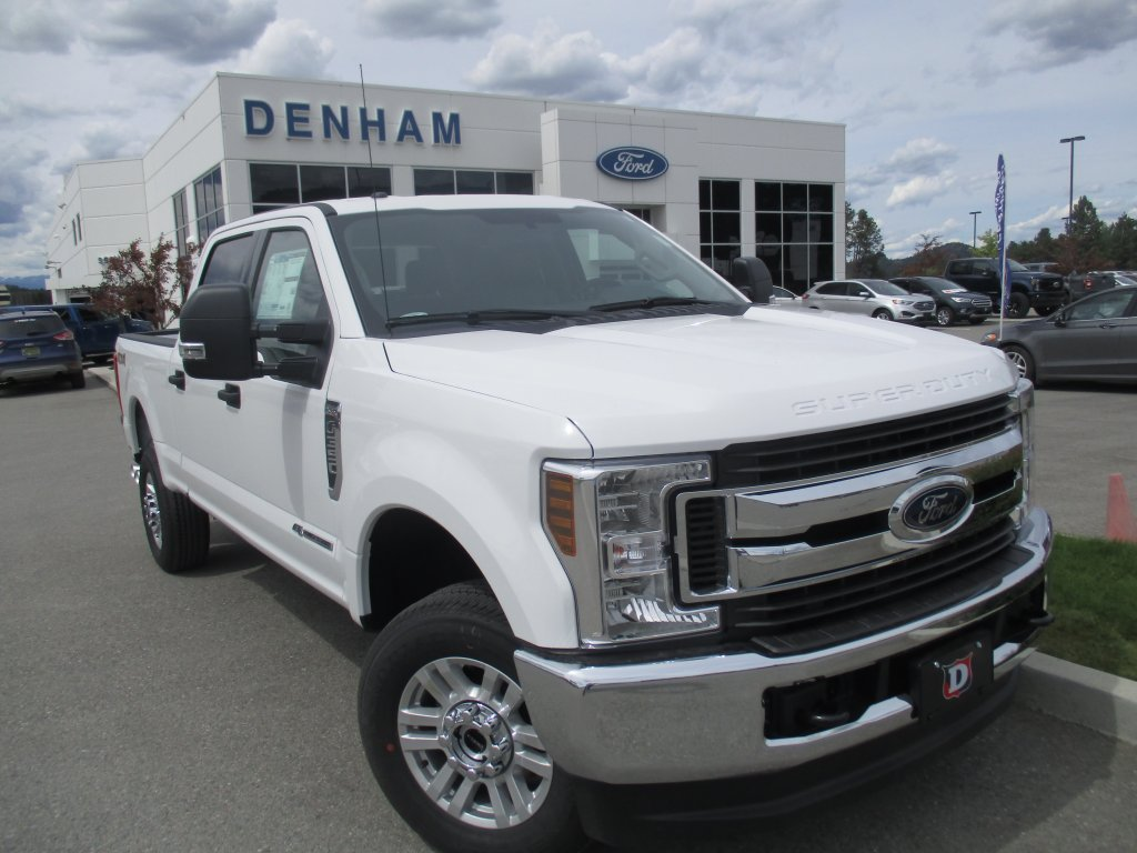 2019 Ford Super Duty F-350 SRW XLT (DT9563) Main Image